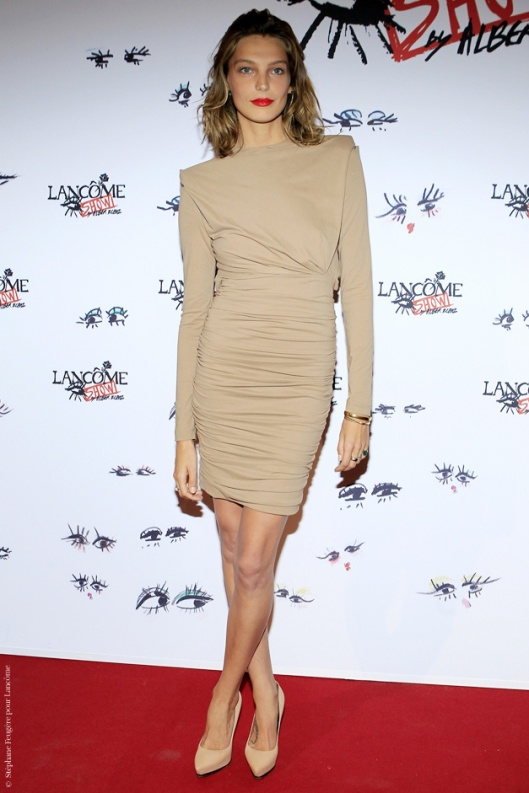 la-modella-mafia-Daria-Werbowy-in-a-nude-Lanvin-dress-with-nude-pumps